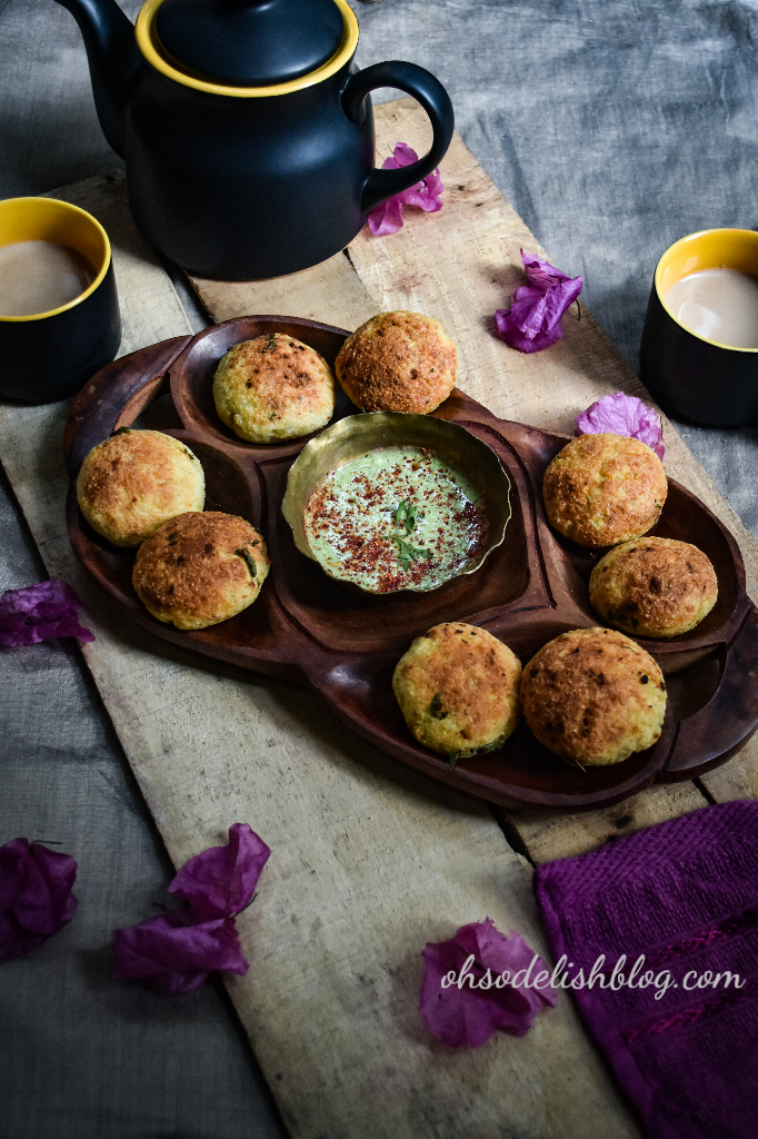 healthy baked potato kachori with chicken filling