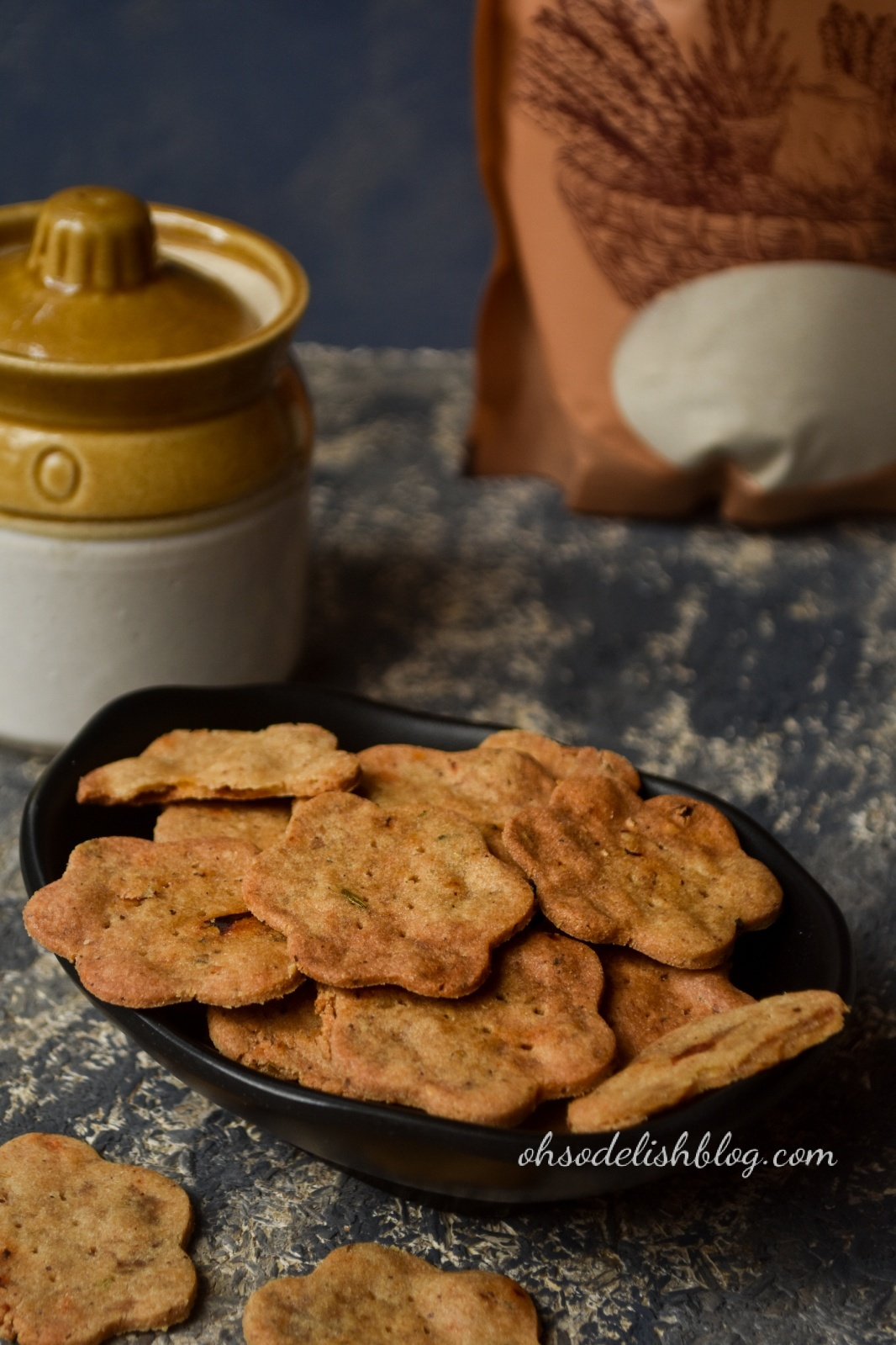 gluten free pickled flavor Indian style amaranth crackers