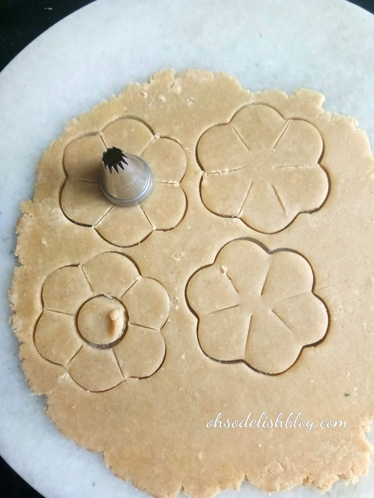 How to shape Jim Jam biscuits