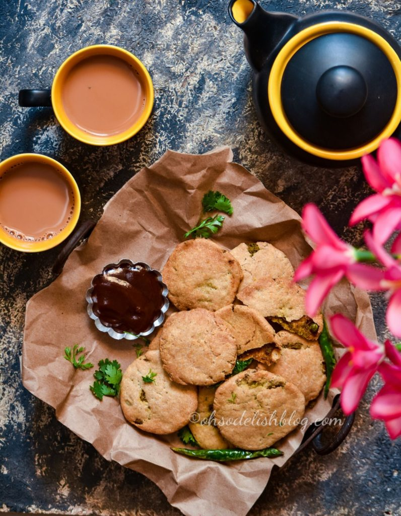 Baked wholewheat Matar kachori