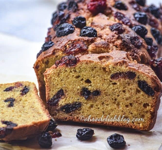 Healthy berry banana bread