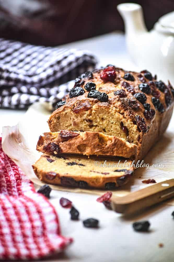 healthy mixed berry banana bread